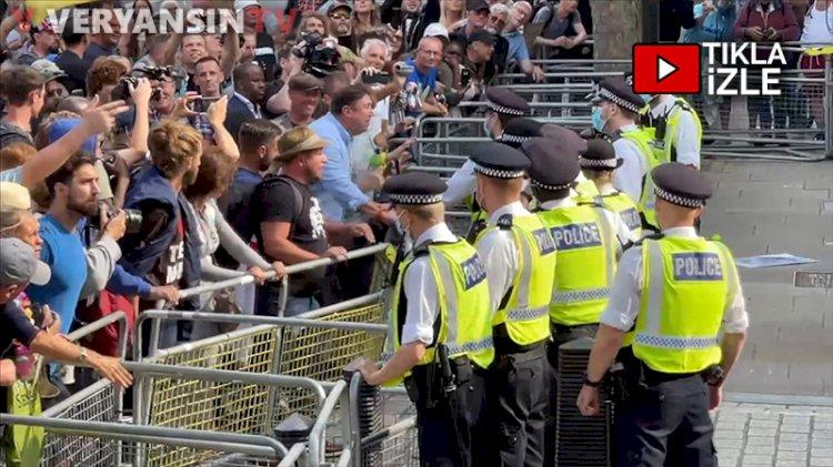 İngiltere'de aşı karşıtı gösteriye polis müdahalesi