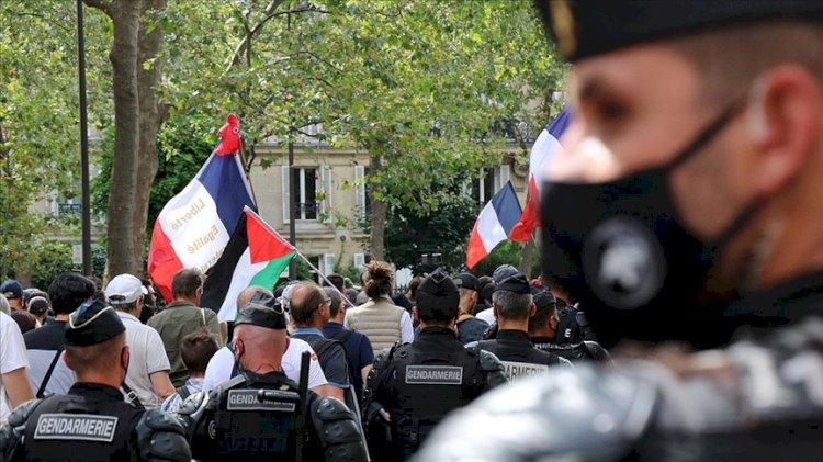 Fransa'da tartışmalı 'Kovid-19' yasa tasarısı onaylandı