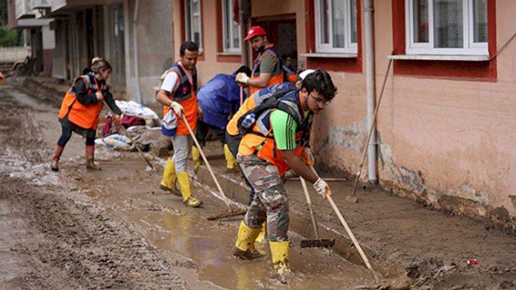 Sel felaketinin izleri siliniyor, kayıp 3 kişi ise hala aranıyor