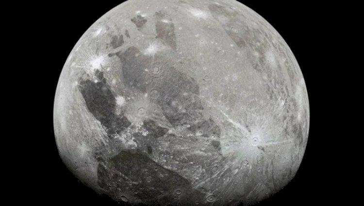 Jüpiter'in en büyük uydusunda su buharı bulundu
