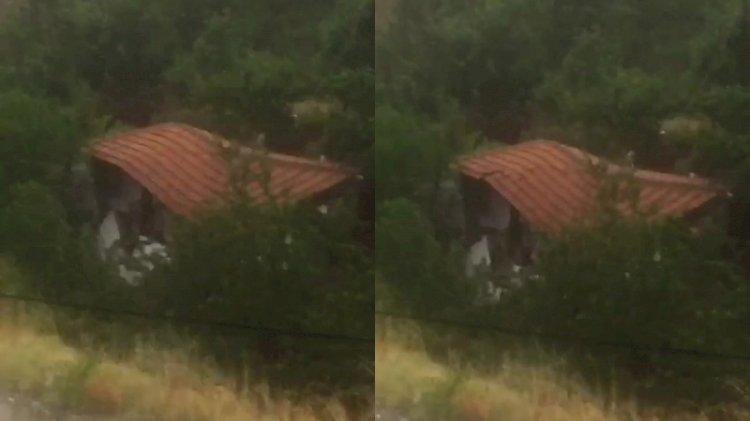 Amasya'da sele kapılan evin yıkılma anı kamerada