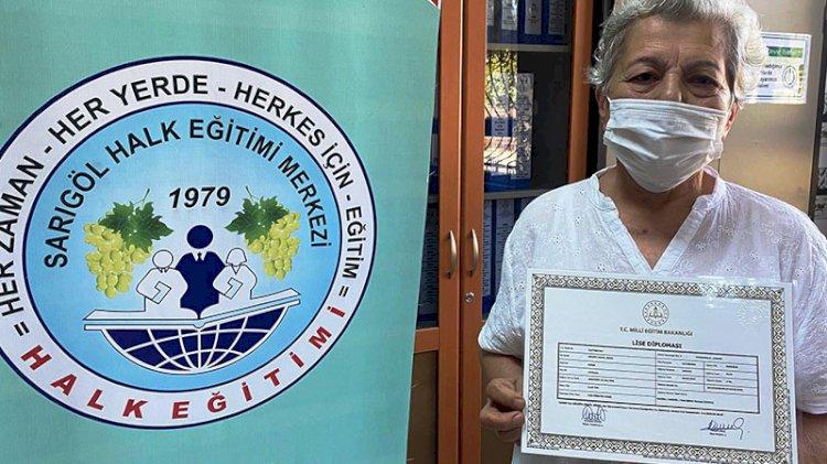 6 torunu olan kadın, 71 yaşında liseden mezun oldu