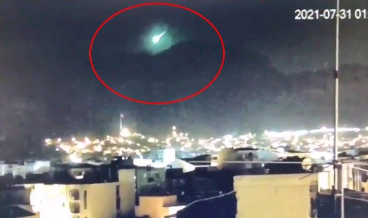 İzmir'e meteor mu düştü? Gözlemevi Müdürü'nden açıklama