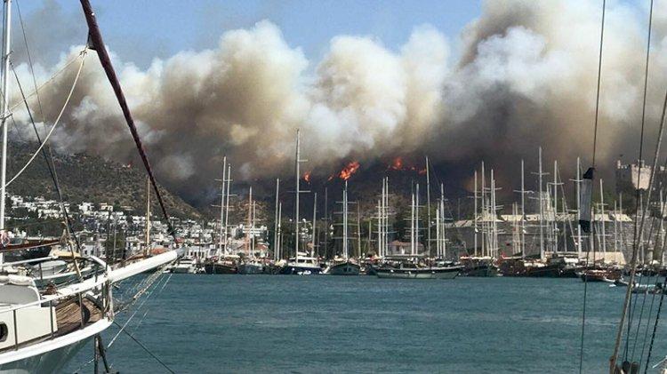 Bodrum'daki yangın büyüyor: Anonslar yapılmaya başlandı