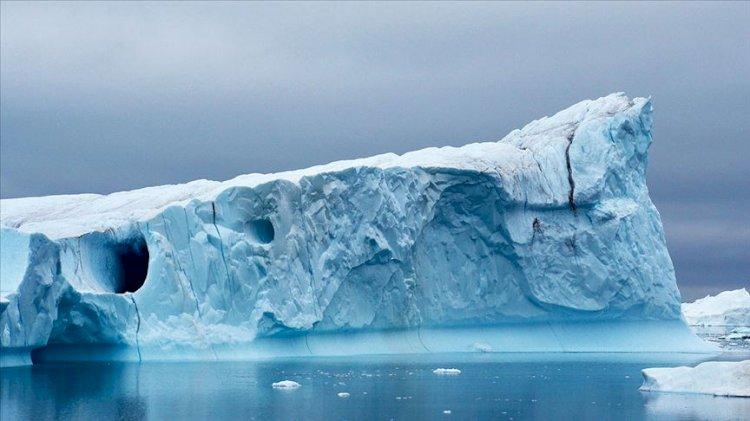 Grönland'da bir gün içinde rekor miktarda buzul erimesi yaşandı