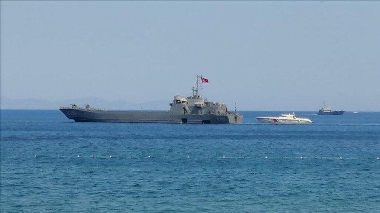 Marmaris'teki mahallenin tahliyesi için çıkarma gemileri gönderildi