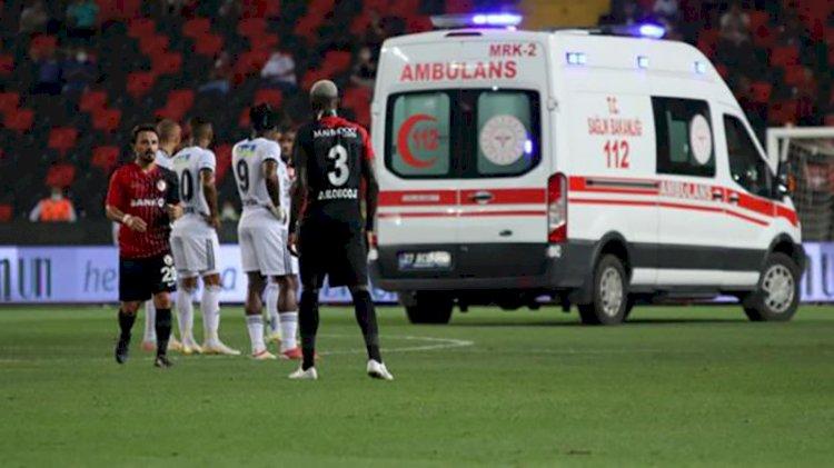 Beşiktaş'ta N'Sakala yere yığıldı, ambulans çağırıldı