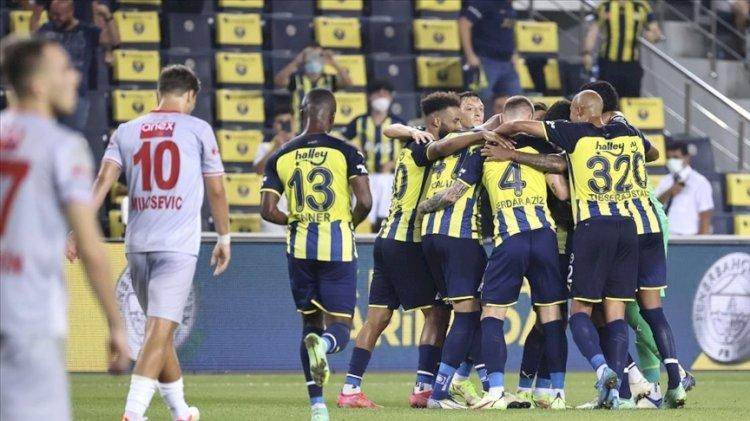 Fenerbahçe-Antalyaspor karşılaşmasına damga vuran pozisyon
