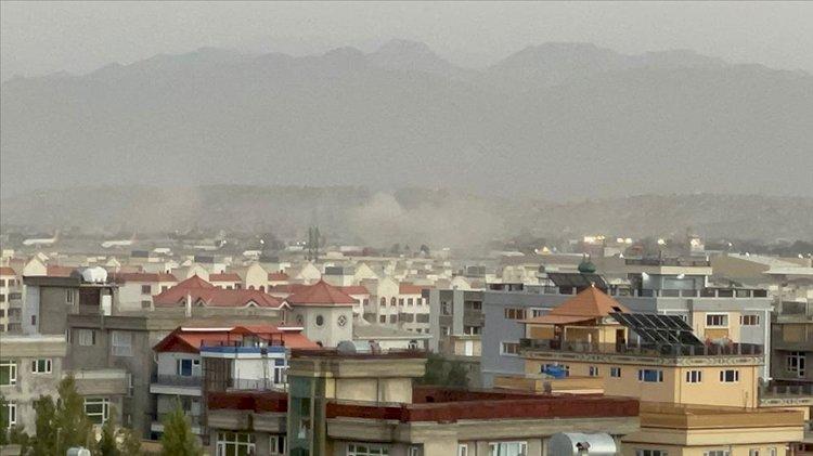 Kabil Havalimanı bölgesinde peş peşe patlamalar.. Çok sayıda can kaybı