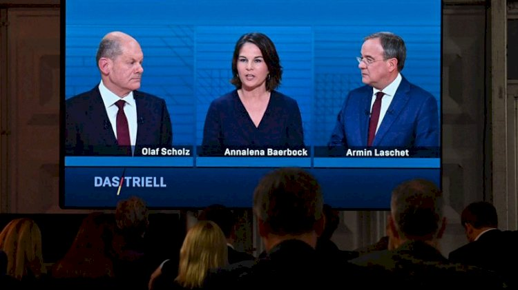 Almanya'da başbakan adayları canlı yayında kapıştı