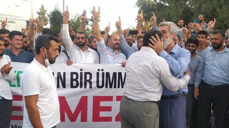 Adana Adliyesi önünde Furkan şov
