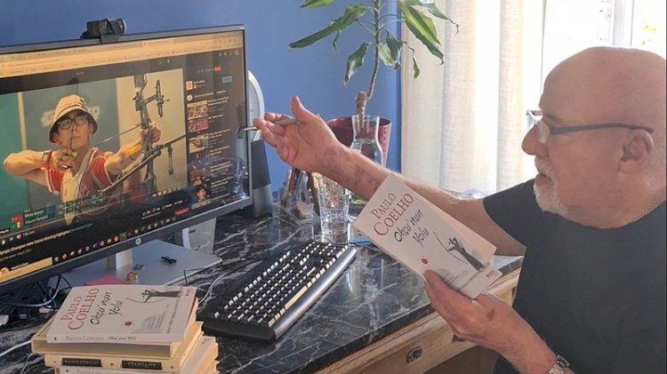 Paulo Coelho, kitabını Mete Gazoz'a adadı: O okçuluk dahisi