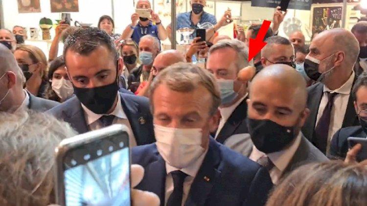 Macron'a 'yumurta'lı saldırı