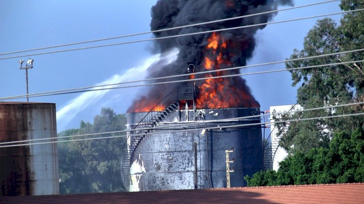 Lübnan'da petrol tesisinde büyük yangın